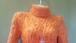 тут изображено шерстяной свитер апелсин
