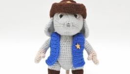 Мышонок шериф вязаная игрушка
