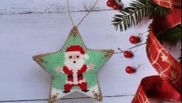 Новогодняя игрушка Звезда Санта Клаус из бисера ручной работы