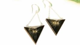 Треугольные серьги с одуванчиками