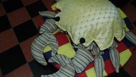 Декоративное изделие-подушка ′Краб′