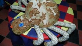 Декоративная подушка-игрушка ′Паучок′