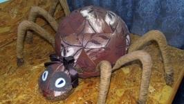 Декоративная подушка-изделие ′Паук большой′