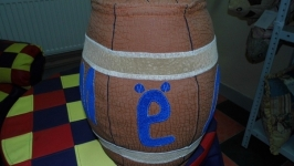 Декоративное изделие ′Бочонок с надписью Мёд′.