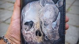 Кожаный кошелек на молнии череп с носорогом