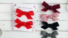 Заколки с бархатными бантиками для девочки на новый год