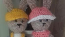 Зайчишки Тоша и Тося