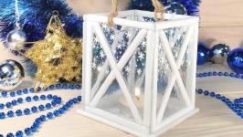 Рождественский белый подсвечник