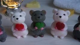 тут изображено Мышь Митя
