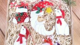 Набор коллекционных ёлочных игрушек с Сантой-месяцем
