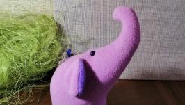 тут изображено Розовый слоник
