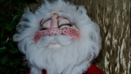Давольный Дедушка Мороз