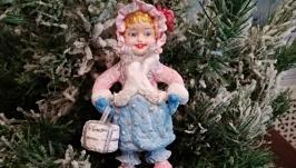 Ретро елочная игрушка. Девочка с тортиком.