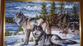 Картина Волки в зимнем лесу