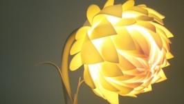 Настольная лампа -георгин