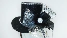 Черная шляпка