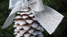 Шишка ′в снегу′ на елку