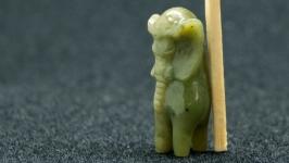 Слон из нефрита резьба по камню