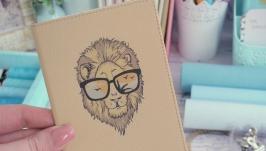Обложка на паспорт со львом