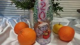 тут изображено Декорированные бутылки шампанского. Новый год Крысы (мыши) 2020.