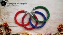 Комплект браслетов из радужного чешского бисера.