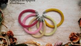 Комплект браслетов из чешского бисера ′огонёк′ с внутренним блеском.