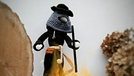 Интерьерная кукла Чумной доктор Plague doctor