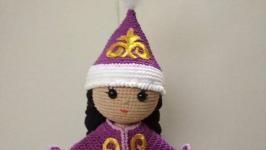 Кукла в казахском национальном костюме.