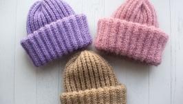 Вязаная шапка из мохера с двойным отворотом