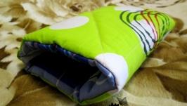 Муфта-подушка для кормления и укачивания ручной работы из бязи.