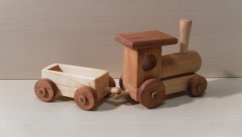 Паровозик деревянный