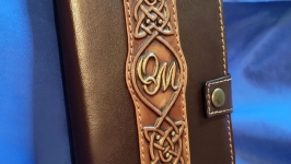 Кожаный кошелек с инициалами на заказ