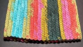 Вязаная шапка крючком. Разноцветная шапка