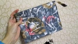 Косметичка из хлопка с двумя отделениями и карманом.