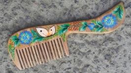 Расписанная деревянная расчёска