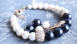 Комплект з натуральних чорних і білих перлів високого класу браслет сережки