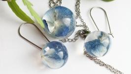 Набір прикрас із блакитними гортензіями в ювелірній смолі