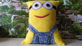 Подушка-игрушка ′Миньон′
