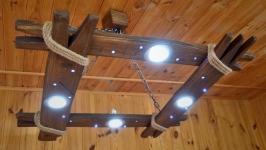 Люстра из дерева со светодиодными лампами и LED ночником