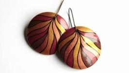 тут изображено ′Медные листья′ серьги с ручной росписью