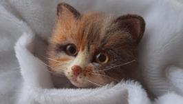 Брошь трехцветный котенок