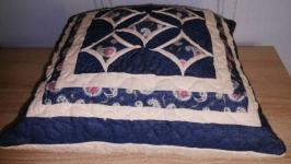 Подушка стеганная декоративная