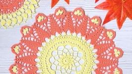 Салфетка оранжево-желтая  (маленькая салфетка в подарок)
