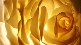 тут изображено Настенный бра ′ Чайная роза′