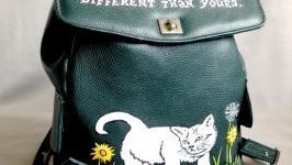 Кожаный рюкзак ′Белый кот′