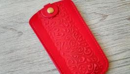 Кожаная ключница красная женская карманная с тиснением восточные узоры