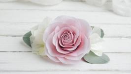 Заколка для волос с цветами в подарок  Гребень с пудровой розой
