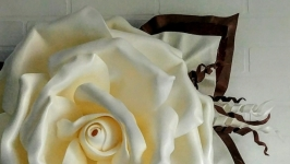 тут изображено Бра′ Роза′