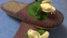 Валяные тапочки  сиреневые с  лилиями