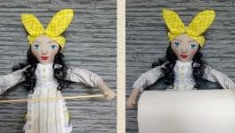 Кукла пакетница, хранительница бумажных полотенец